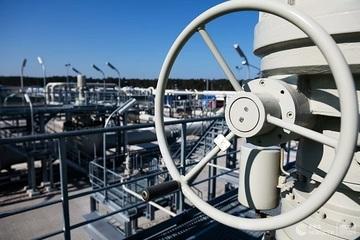 Mỹ tiếp tục trừng phạt Nga vì Nord Stream 2, Điện Kremlin nói gì?