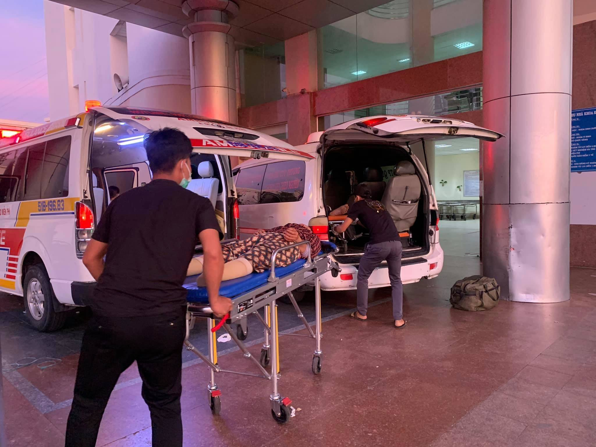 xe cấp cứu,xe cứu thương,nhường đường xe ưu tiên