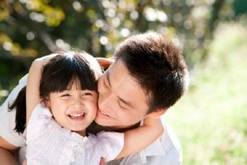 Bố tình cảm thường dạy con thông minh hơn