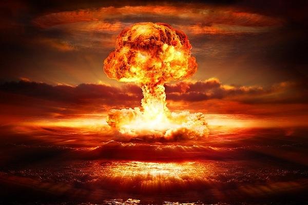 Vì sao Liên Xô từng muốn thả bom hạt nhân xuống Nam Phi?