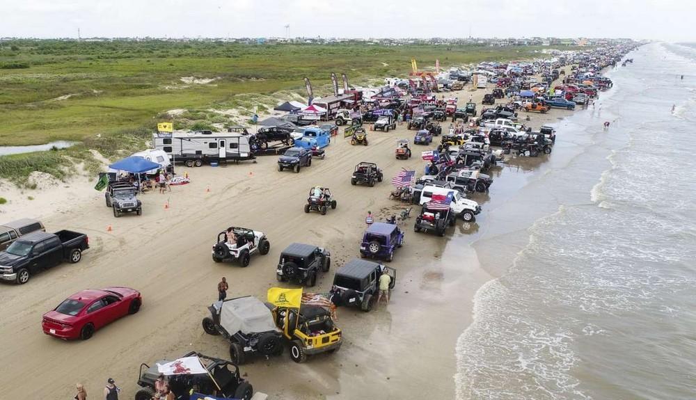 Mỹ: Gần 150 người bị bắt tại một bữa tiệc trên bãi biển