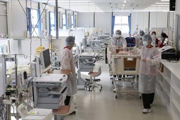 Nhật Bản: Hơn 50% y tá ở các bệnh viện điều trị Covid-19 muốn bỏ việc