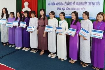 Đại học Bạc Liêu hỗ trợ sinh viên nghèo có hoàn cảnh khó khăn