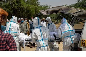 Nhóm người từ chối tiêm vắc-xin Covid-19 vây đánh các nhân viên y tế Ấn Độ