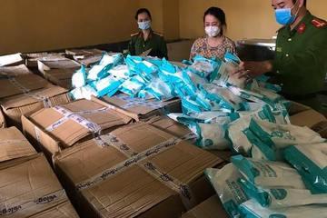 Người Trung Quốc mua khẩu trang trôi nổi bán kiếm lời ở Việt Nam