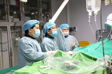 Nhập viện vì nhồi máu cơ tim, tổn thương động mạch vành nặng do hút thuốc lào nhiều năm