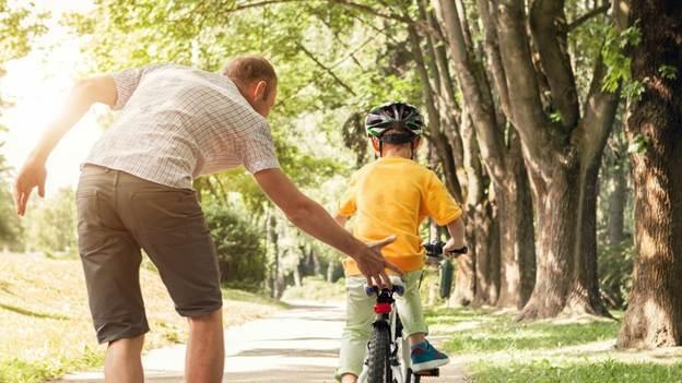 Không cần ngưỡng mộ 'con nhà người ta' EQ cao, cha mẹ có thể giúp con có chỉ số này vượt trội