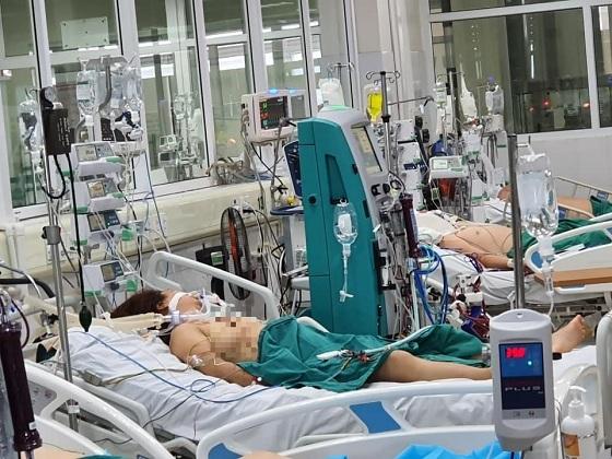 5 bệnh nhân Covid-19 thoát khỏi 'tử thần' là ai?