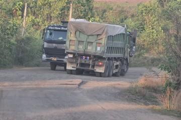 """Đắk Lắk: Đã bắt được chiếc xe ben cơi nới """"bí ẩn"""" che biển số"""
