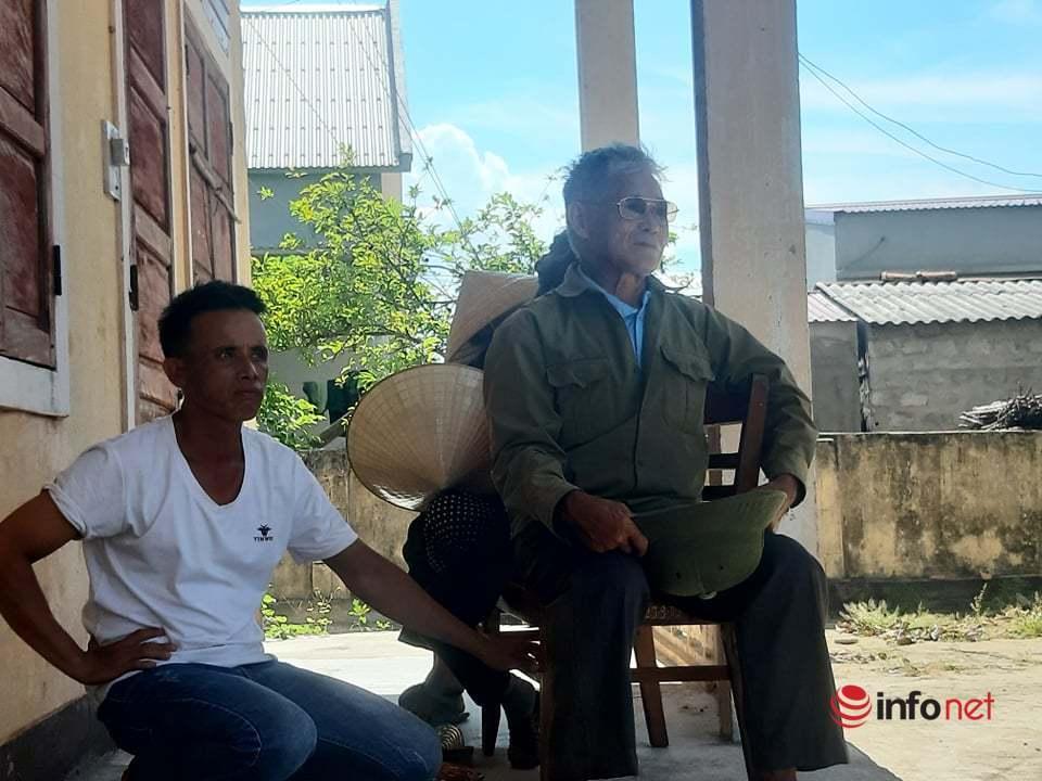 Quảng Bình: Hàng chục người xếp hàng chờ lĩnh tiền chính sách cán bộ phụ trách đã làm thất thoát
