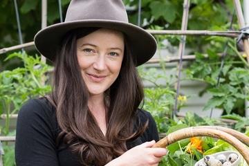 Mẹo làm vườn nhỏ năng suất cao của cô gái Australia