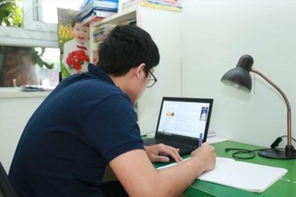 Tối nay, học sinh lớp 12 Hà Nội tiến hành kiểm tra học kỳ trực tuyến kết thúc năm học