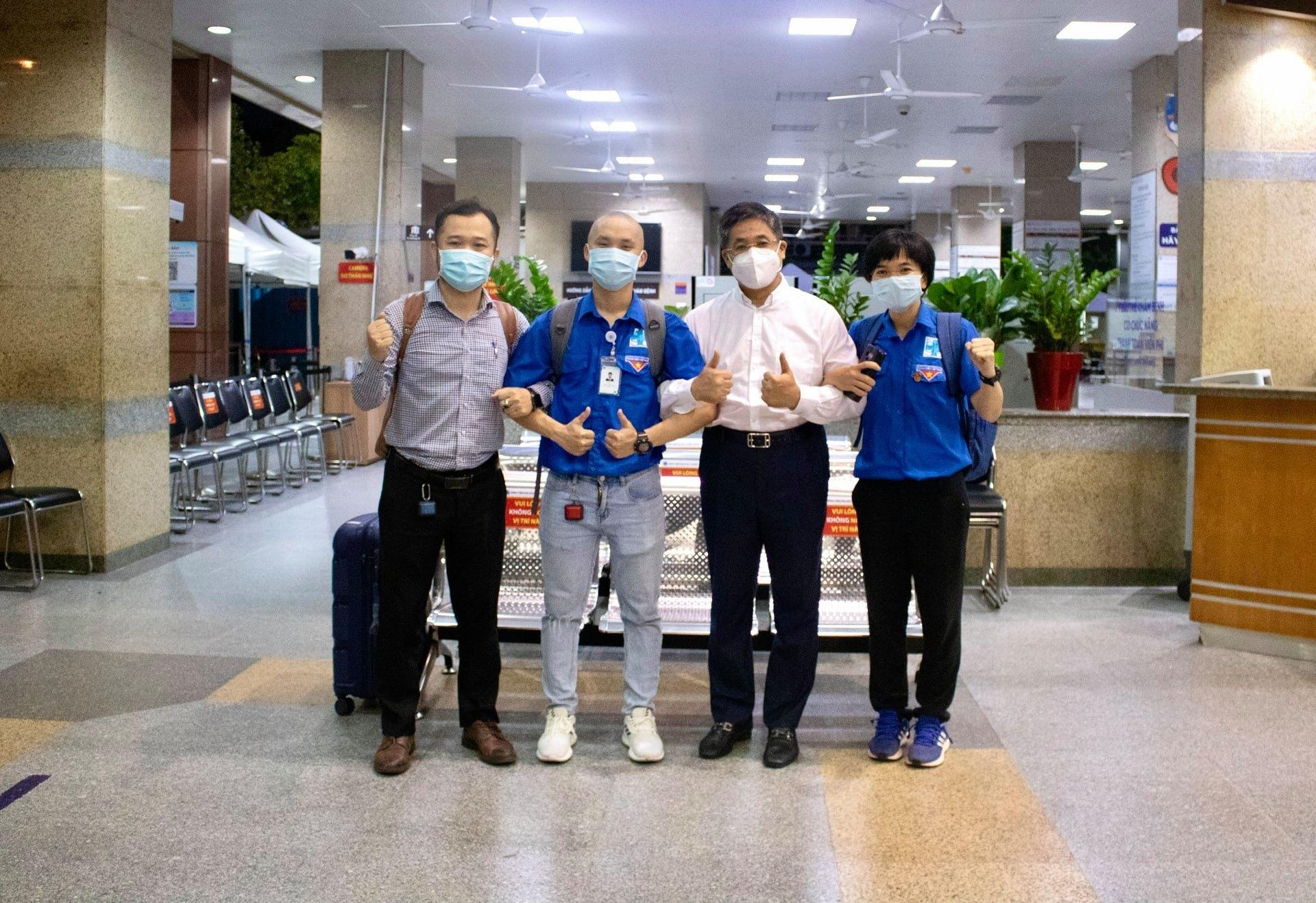 Bác sĩ trẻ cạo trọc đầu ra tâm dịch: 'Tôi gửi đơn xin đi Bắc Giang'