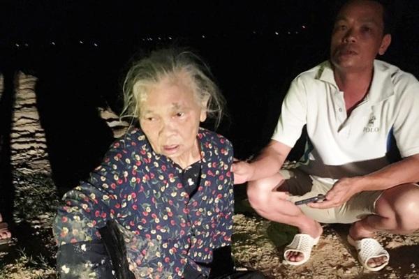 Chới với 2km trên sông, cụ bà 72 tuổi may mắn được 3 người cứu sống