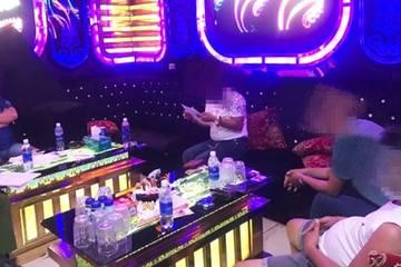 """Quảng Nam: Để khách hát karaoke """"phê"""" ma túy, chủ quán bị phạt 15 triệu đồng"""