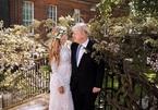 Váy cưới của vợ Thủ tướng Anh Johnson gây tranh cãi trên mạng xã hội