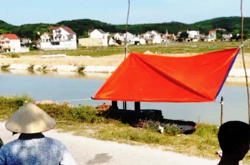Làm rõ danh tính thi thể 2 người đàn ông nổi trên sông ở Nghệ An