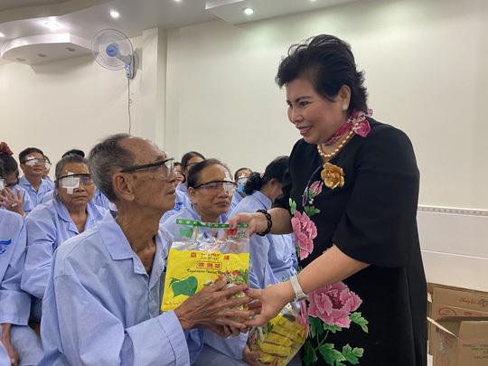 Nữ đại gia Lê Thị Giàu, người khởi kiện bà Phương Hằng là ai?