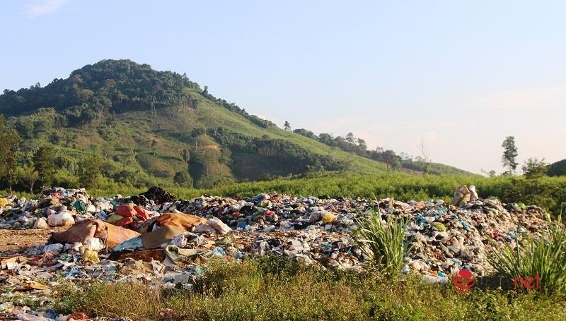 Sở TN&MT Nghệ An yêu cầu kiểm tra, khắc phục bãi rác gây ô nhiễm