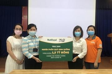 Nutifood và Ông Bầu tặng sản phẩm dinh dưỡng cho ngành y tế TP.HCM