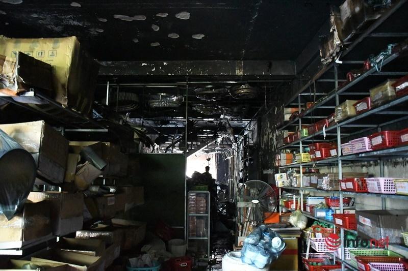 Vụ cháy cửa hàng 4 người tử vong lúc nửa đêm: Hiện trường ám ảnh