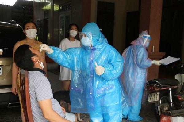 Thêm 2 ca dương tính với SARS-CoV-2, 9/13 huyện thị ở Hà Tĩnh có F1