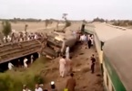 Gần 100 người thương vong sau khi 2 đoàn tàu tông trực diện