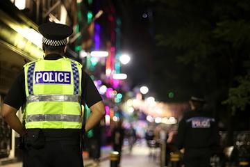 Cậu bé 9 tuổi buôn cocaine, báo động tội phạm ma túy trẻ hóa ở Anh