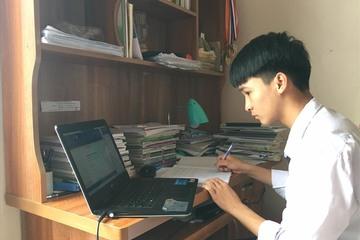 Hà Nội cho thí sinh làm thủ tục dự thi lớp 10 trực tuyến