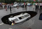 Tài xế phi cả ô tô xuống hố tử thần nằm chình ình giữa ngã tư đường