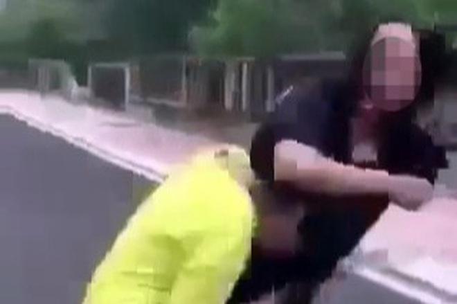 Nữ sinh lớp 7 Phú Yên bị đánh hội đồng vì lý do 'hỗn với đàn chị'