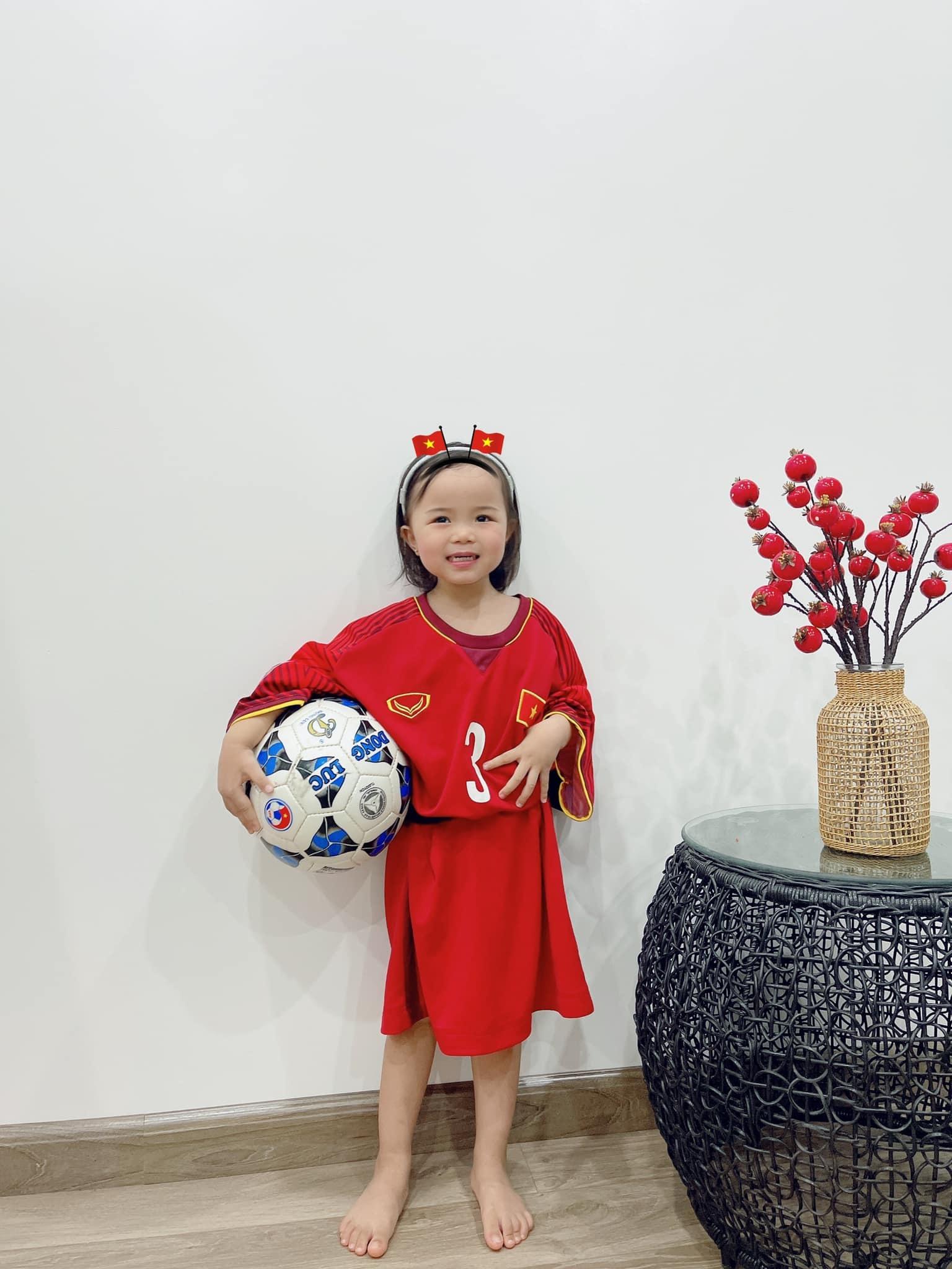 Trung vệ Quế Ngọc Hải,con gái Quế Ngọc Hải,giọng xứ Nghệ,đội tuyển Việt Nam