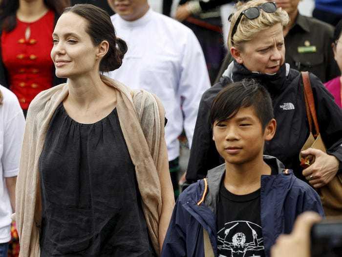 Angelina Jolie,người nổi tiếng dạy con