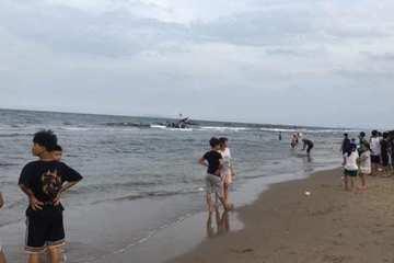 Thanh Hóa: 2 em nhỏ đuối nước khi tắm biển, 1 em mất tích