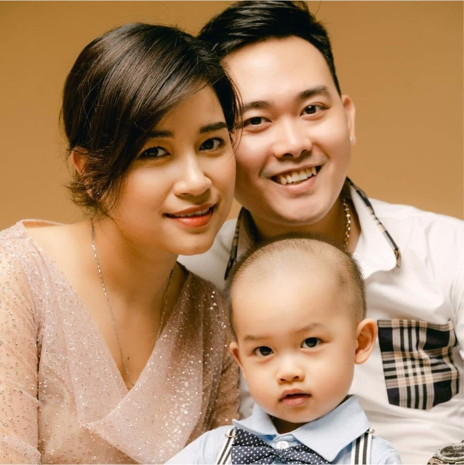 """Treo thưởng 150 triệu cho vợ giảm cân, ông chồng nhận ngay suất cắt tóc """"miễn phí"""" tại nhà mùa dịch"""