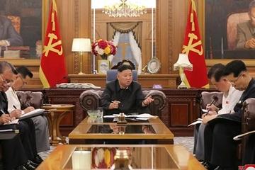 Hình dáng khác lạ của ông Kim Jong-un trong lần tái xuất gần nhất