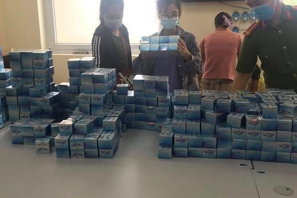 Phá đường dây sản xuất mỹ phẩm giả ở Hà Nội, tạm giữ hình sự 3 đối tượng