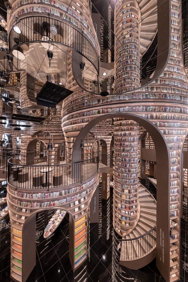 Lạc bước vào mê cung sách bên trong cửa hàng đẹp nhất thế giới