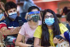 Phụ nữ Ấn Độ bị 'bỏ lại phía sau' trong chiến dịch tiêm vắc-xin Covid-19?