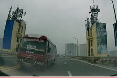 Xe khách chạy sai phần đường trên cầu Thăng Long bị người dân quay clip gửi công an Hà Nội