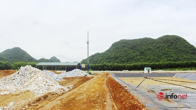 Nghệ An: Bãi rác ô nhiễm giữa thị trấn đông đúc, ruồi nhặng bu kín nhà dân