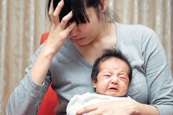 Bà mẹ mới sinh nói nhảm, gào khóc, bác sĩ tâm lý cảnh báo căn bệnh nguy hiểm