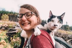 Mèo cưng sống vương giả được đi du lịch khắp thế giới