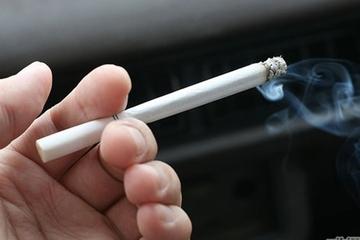 Nam bệnh nhân ung thư phổi do có tiền sử hút thuốc lá nhiều năm