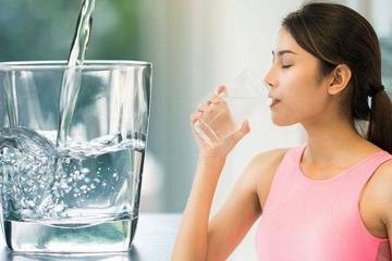 Nước cực kỳ tốt cho cơ thể nhưng uống nhiều nguy hiểm thế nào?