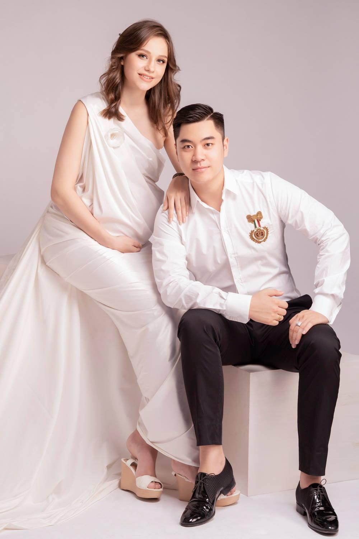 Chàng trai Việt bận làm sếp vẫn chăm sóc cô vợ Nga đúng chuẩn 'chồng nhà người ta'