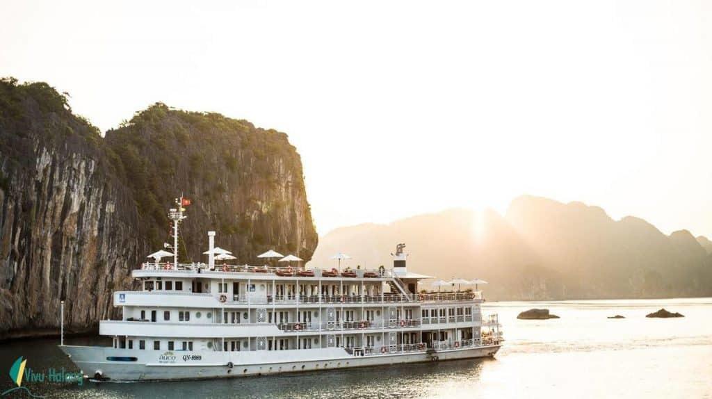 Hạ Long,. du lịch,chủ tàu