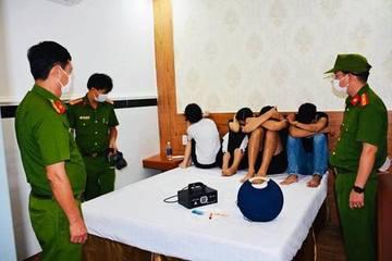 Quảng Nam: 20 nam nữ phê ma túy 'bay lắc' trong khách sạn giữa mùa dịch