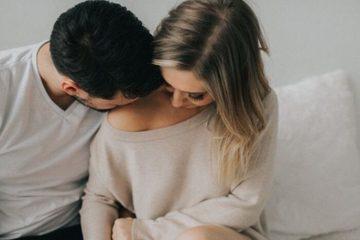 Làm việc online khó chịu vì chồng suốt ngày đòi 'chuyện ấy'