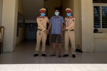 Tài xế xe tải biển Lào tàng trữ, sử dụng chất ma túy